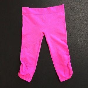 Ivivva breath love crop juniors size 14 HOT pink